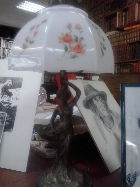 Jugendstillampe Figurina
