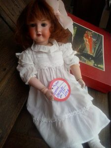 Puppe Armand Marseille Ganze Ansicht
