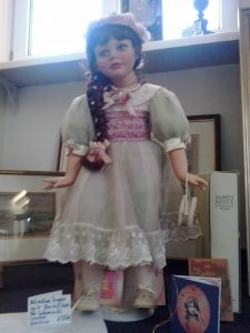 puppe-mit-zertifikat-ruby-doll