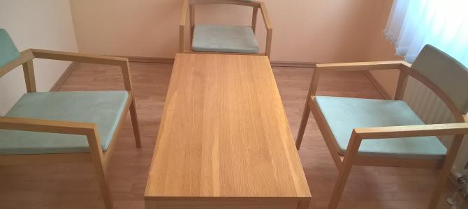 Designer Tisch mit 3 Stühlen von Magnus Olesen